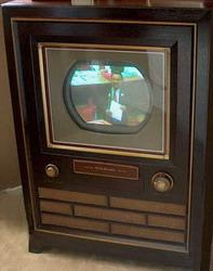 Перший телевізор з кольоровим екраном