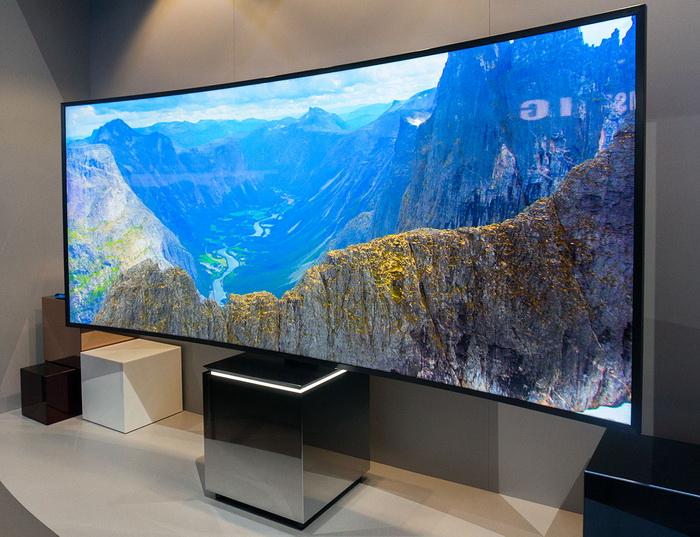 Телевізор з вигнутим екраном