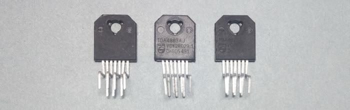 TDA4863AJ - микросхема кадровой развертки