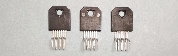 TDA4864AJ - микросхема кадровой развертки