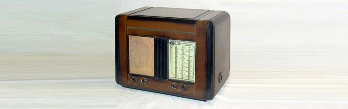 Урал-49 - сетевой ламповый радиоприёмник
