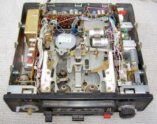 Гродно-302-стерео - механіка