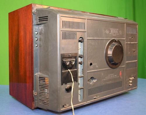 Кольоровий телевізор Електрон-716Д - задня панель