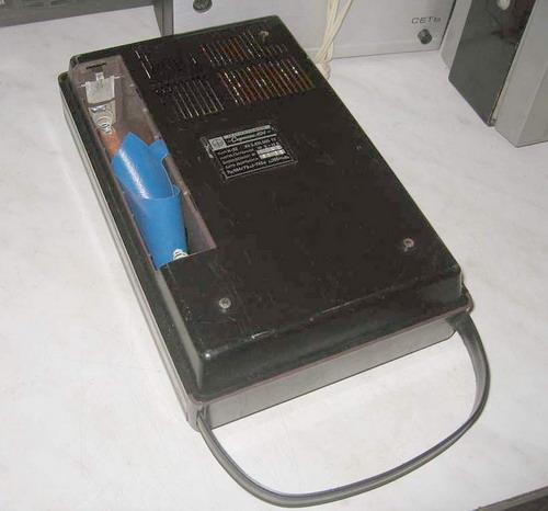 Супутник-404 - відсік для батарейок