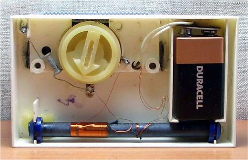 Сувенірний радіоприймач Телевізор - вид знизу