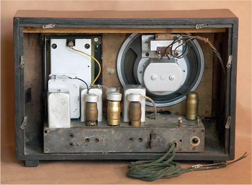 Батарейний радіоприймач Партизан - схемотехніка