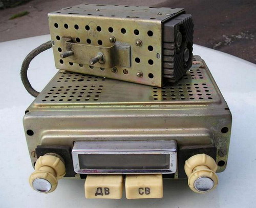 Автомобільний радіоприймач А-17 з блоком живлення