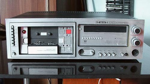 Маяк-010-стерео - лицьова панель