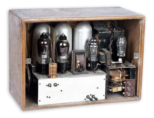Ламповий радіоприймач Комсомолець - схемотехніка