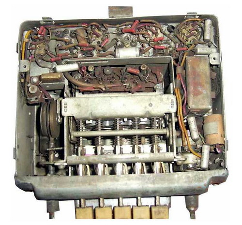 Радіоприймач А-12 - механіка та схемотехніка